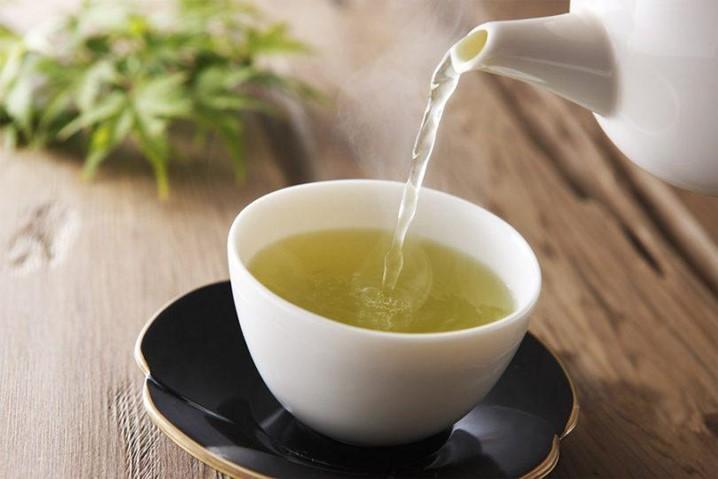 Se sofre de insónia, o chá de caxinde pode ser uma boa opção