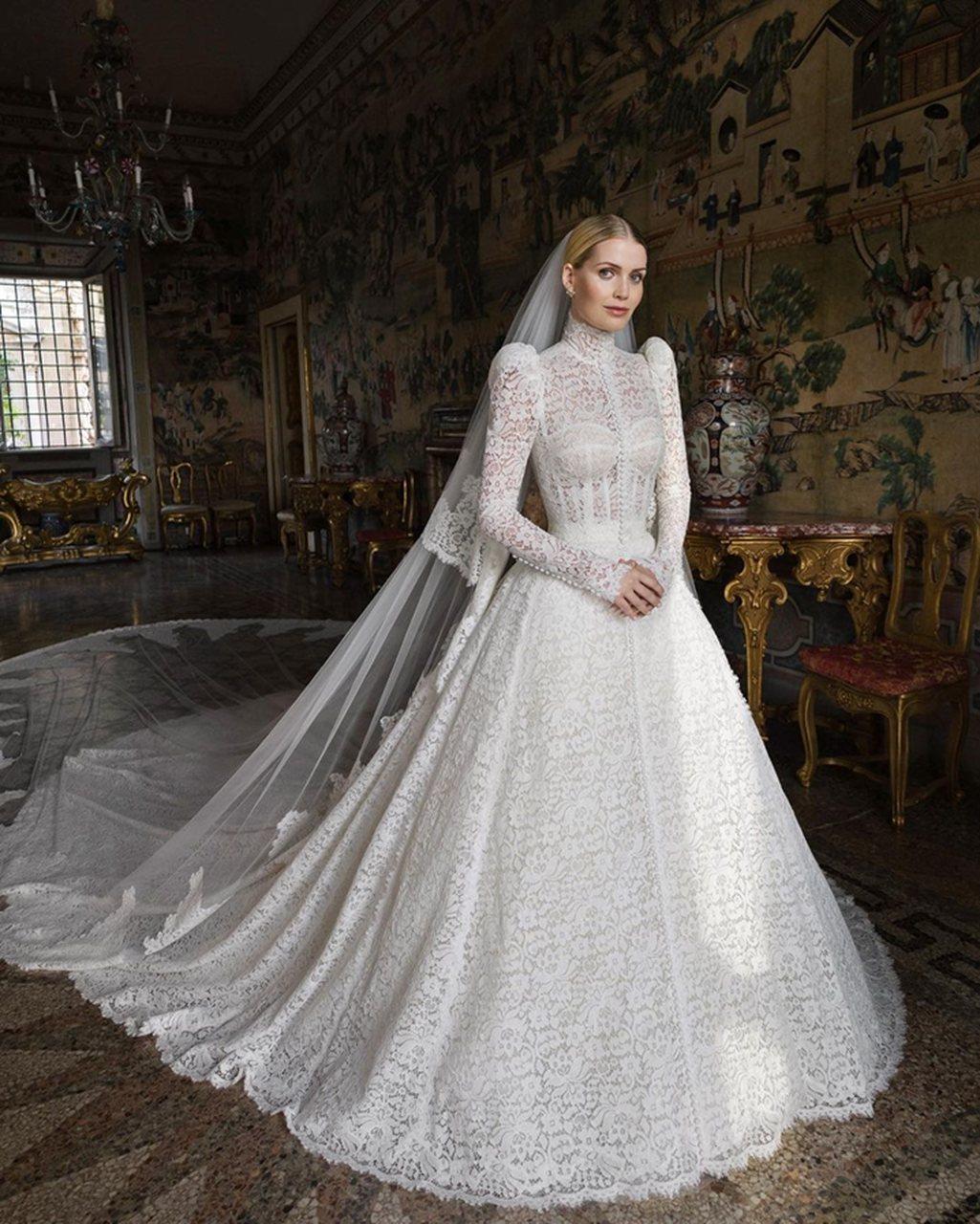 Confira os detalhes do vestido de noiva de Kitty Spencer
