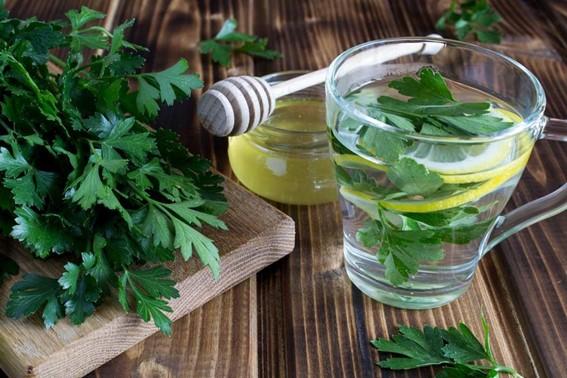 Conheça os inúmeros benefícios da salsa!