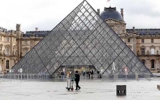 Conheça o Maior museu do mundo: Louvre