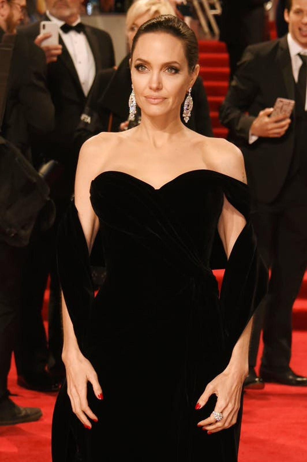 Angelina Jolie: um ícone  incontestável da moda