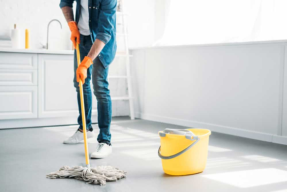 Lave o chão com vinagre e veja os resultados