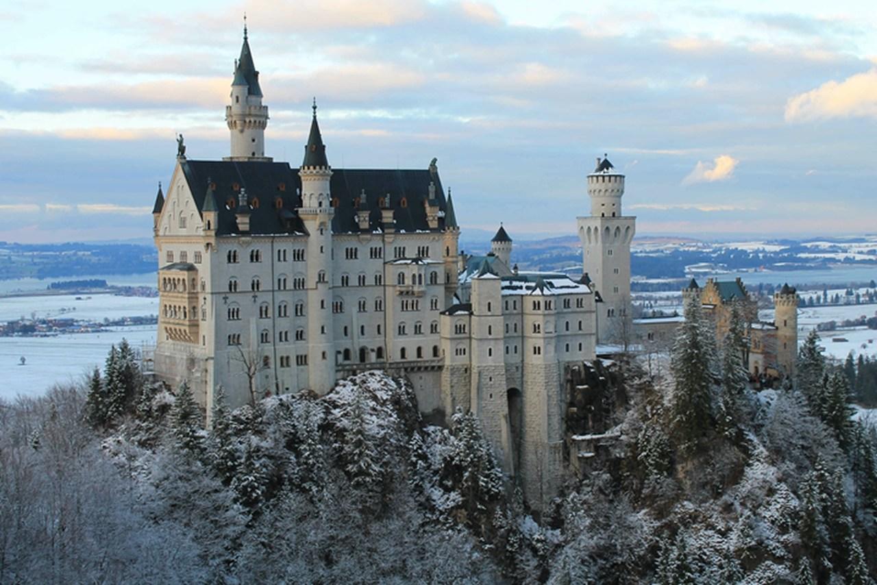 Castelo de Neuschwanstein: um cartão postal da Alemanha