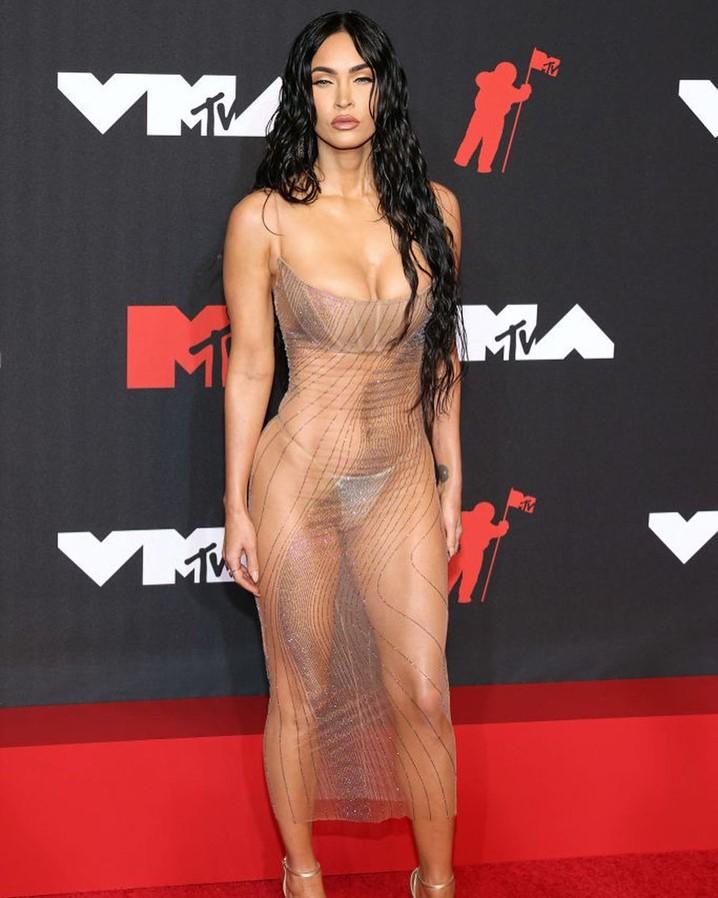 VMA 2021: confira os looks dos artistas no tapete vermelho
